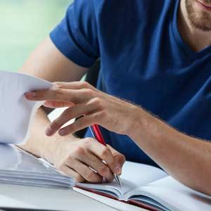 不労所得を得るため一生懸命勉強する