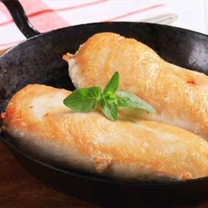 節約食材レシピ「鶏むね肉の蒸し焼き」
